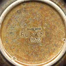 Ruskin vase (mark)