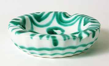 Green/white ashtray