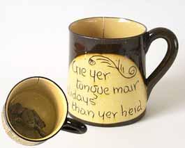 Cumnock frog mug