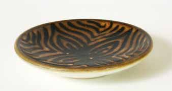 Brown shallow Iden dish
