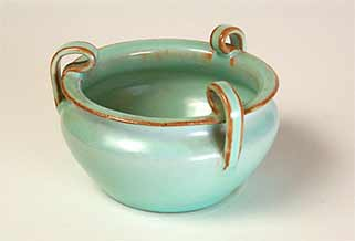 Three-handled Dicker bowl