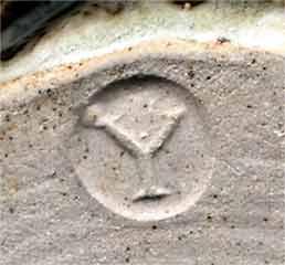Yelland stoneware jug (mark)