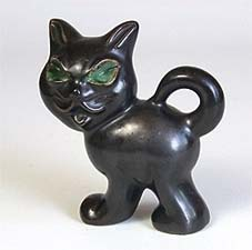 Pottery cat