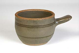 Sidney Tustin pot with handle