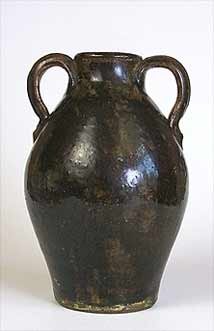 Wells two-handled pot