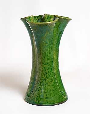 Farnham trefoil vase