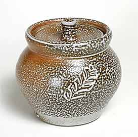 Lidded pot by Phil Rogers
