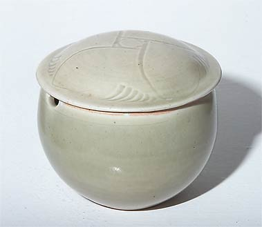 Lidded pot by David and Bernard Leach