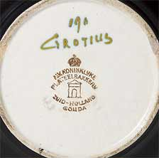PZH Grotius vase (mark)