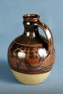 Winchcombe handled bottle
