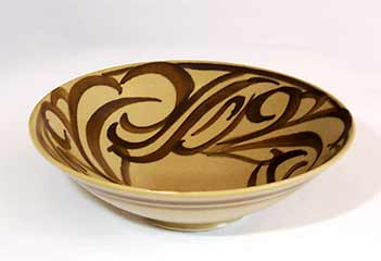 Brush decorated Hoy bowl