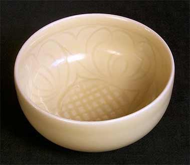 Cream Hoy bowl