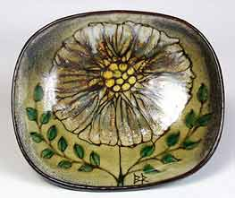 Chelsea dish with flower