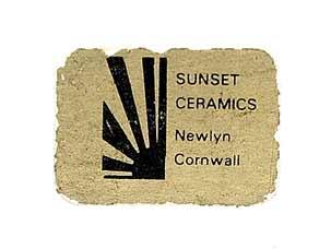 Sunset high-heeled box (label)