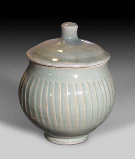 David Leach lidded pot