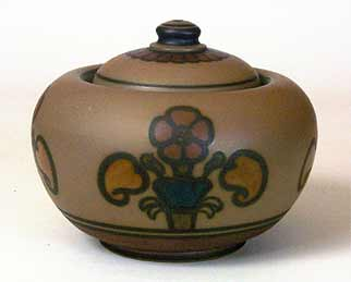 Hjorth lidded bowl