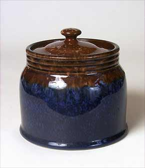 Lidded Langley jar