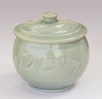 Amanda Brier porcelain lidded pot