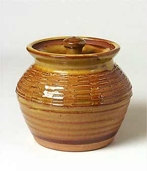 Early Bowen lidded jar