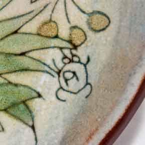 Large Chelsea dish (signature)