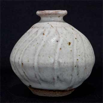 Pleydell-Bouverie stoneware vase (other side)