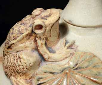 Bernard Rooke frog lamp (detail)