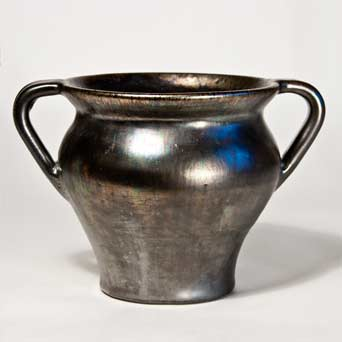 Two-handled Dicker pot