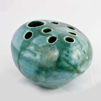 Tremaen pebble vase