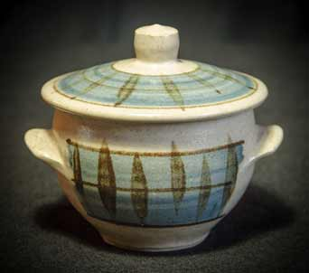 Kenneth Quick lidded pot